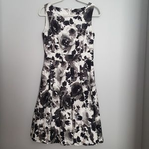 H&M Black/White/Gray  Flower Dress Size 8